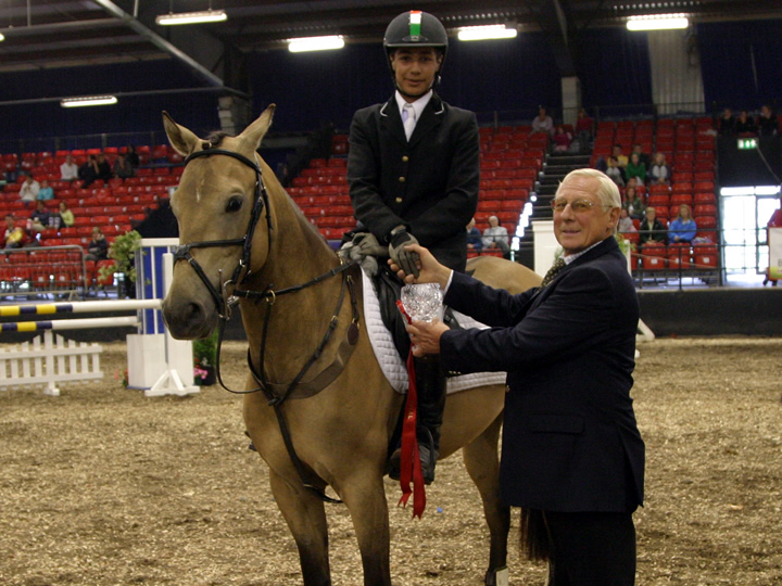 Whos DJ with Judge Belgium Chef d'Equipe Herve Daout winning 148cms Millstreet National Pony Discovery Finals 2008